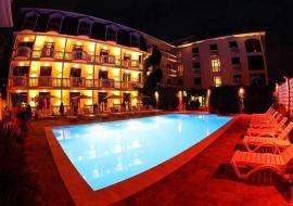 с бассейном  - Судак   гостиница с бассейном