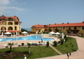 Испанская деревня - Крым Алупка  апартаменты  с бассейном  посуточно