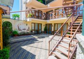 Гранат - Алушта гостевой  дом  ул горького