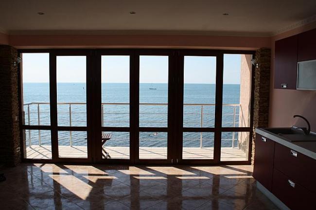 аппартаменты с видом на море